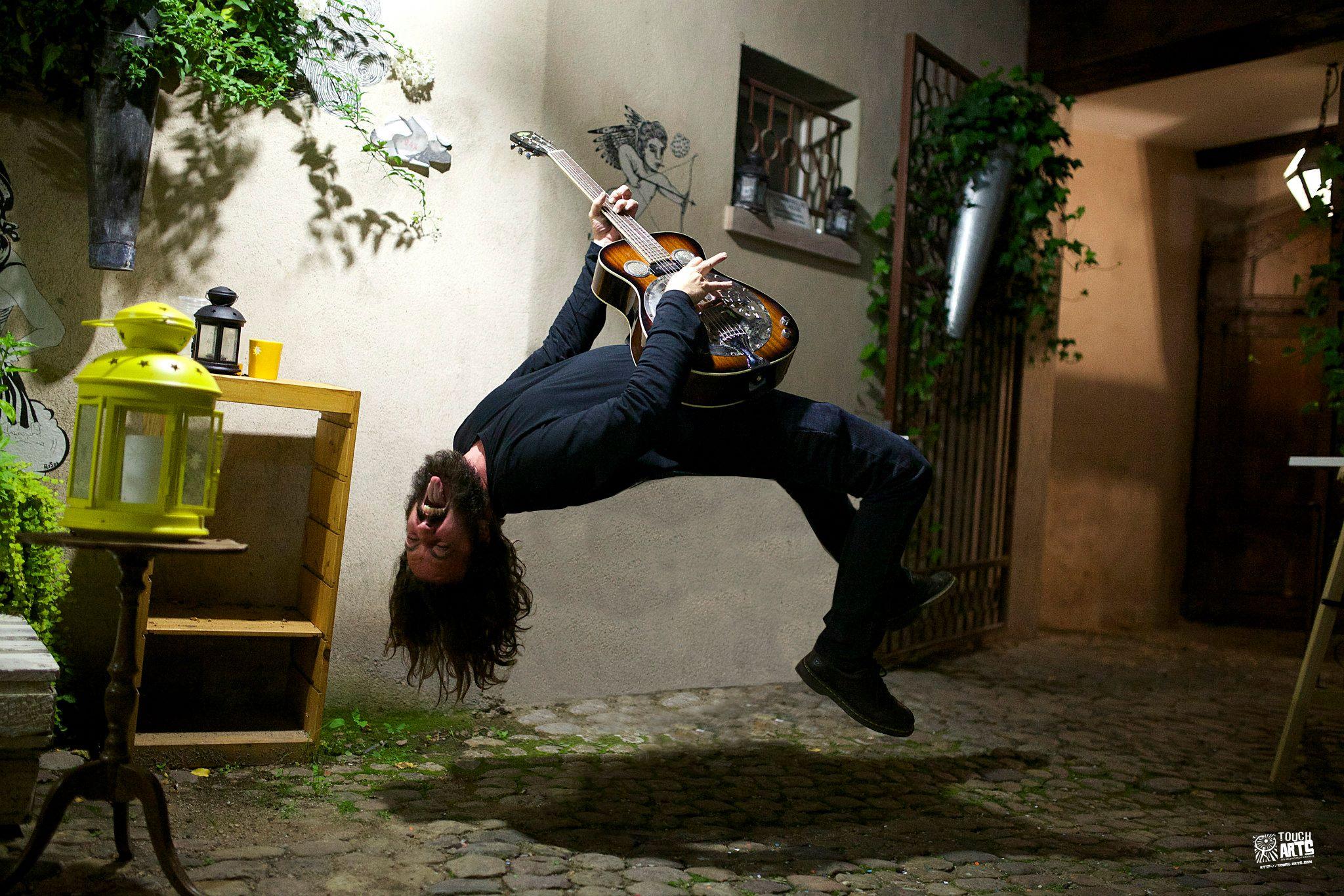 brotherdege-01-levitation